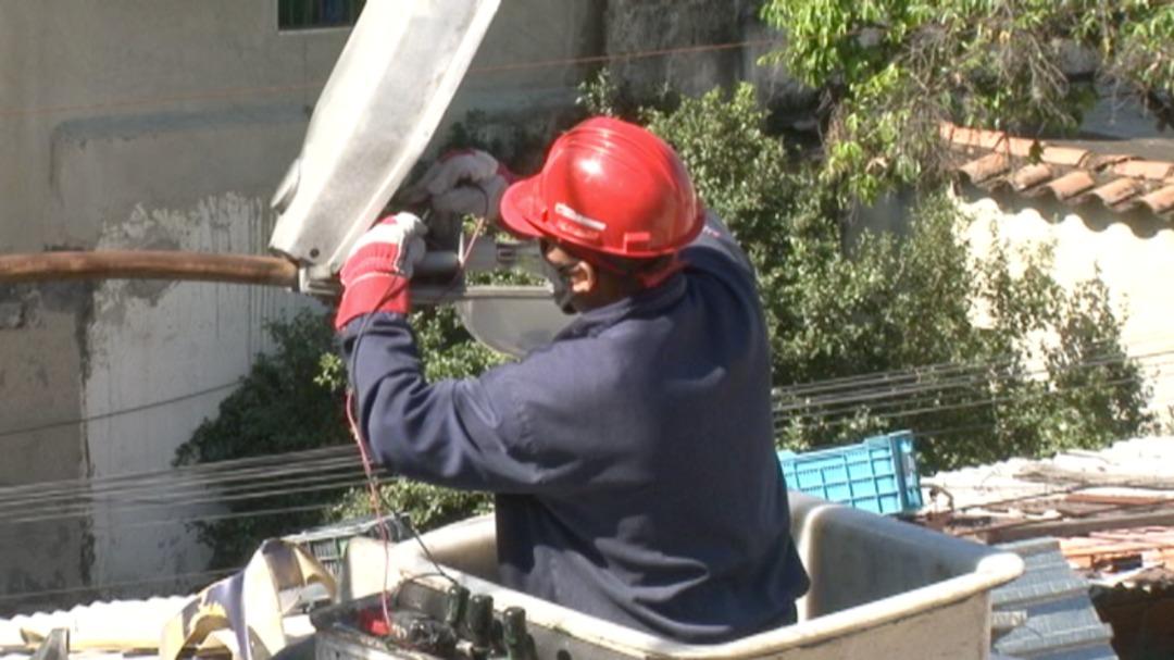 Fuerza trabajadora de Corpoelec brindó atención oportuna a comunidad de Sarria en Caracas